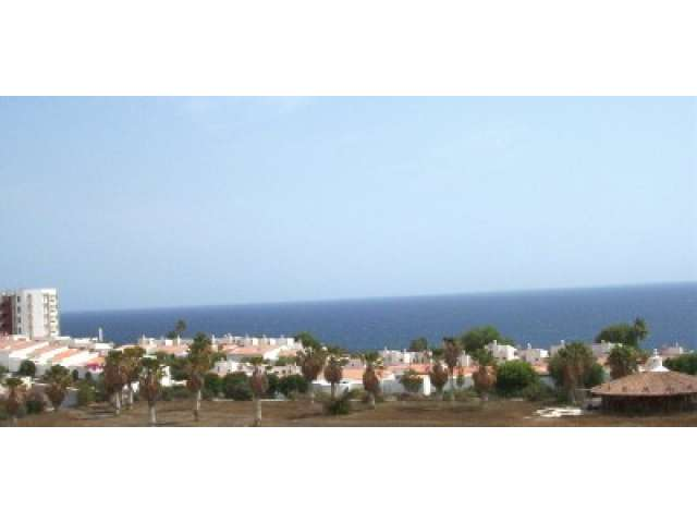 Two bed spacious holiday apartment in Golf del Sur Tenerife - easily sleeps 4.
